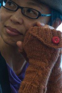 brązowe wełniane rękawiczki